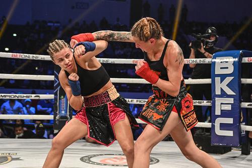 boxeo_nudillos_descubiertos_femenino.jpg