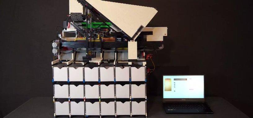 Esta clasificadora de piezas de LEGO está hecha de LEGO y usa IA para ello
