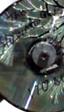 Este es un CD rompiéndose a 170.000 fotogramas por segundo