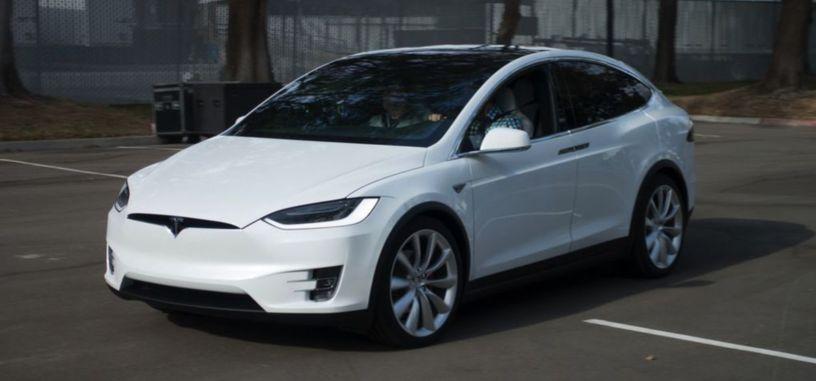Tesla comienza a distribuir la actualización de su sistema de conducción autónoma