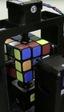 Este robot es capaz de resolver el cubo de Rubik en 1 segundo