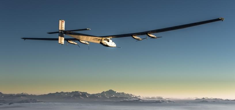 El primer vuelo de mantenimiento del Solar Impulse 2 fue un éxito