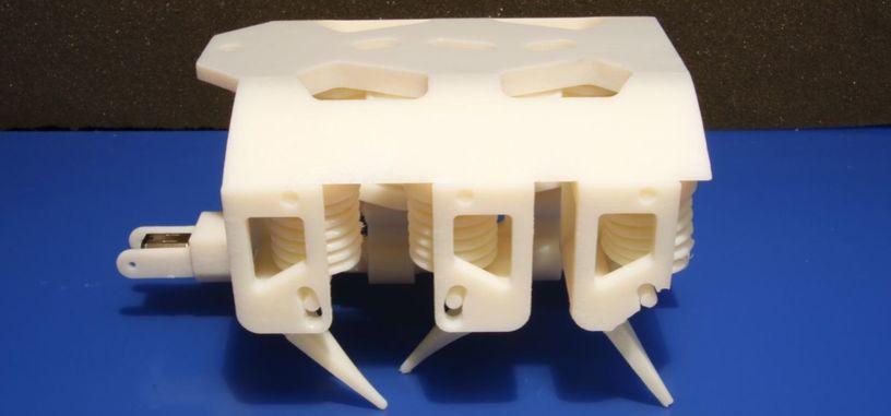 Una impresora 3D permite crear piezas para robots con partes sólidas y líquidas