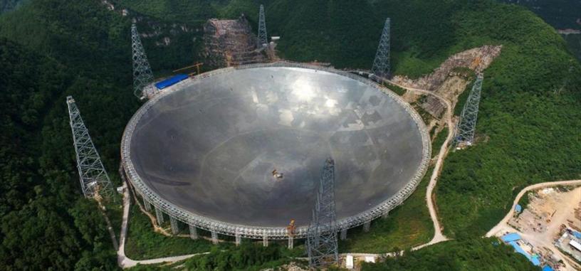 China pone en funcionamiento el radiotelescopio más grande del mundo en busca de vida