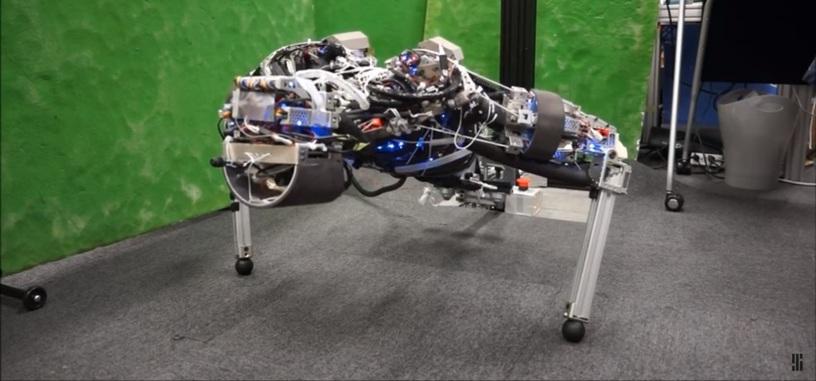 Kengoro es un robot que suda para mantenerse refrigerado