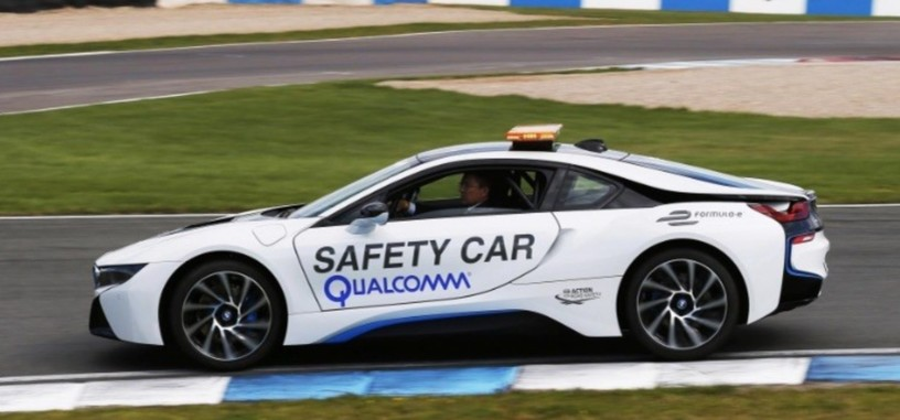 Qualcomm prueba una tecnología para cargar vehículos eléctricos en movimiento