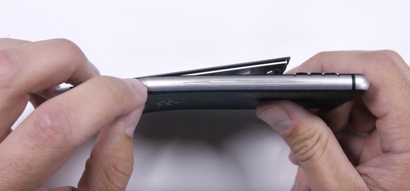 La pantalla de la BlackBerry KeyOne no está bien sujeta al resto del teléfono