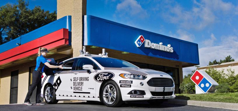 Ford se alía con Domino's Pizza para el reparto de 'pizzas' empleando vehículos autónomos