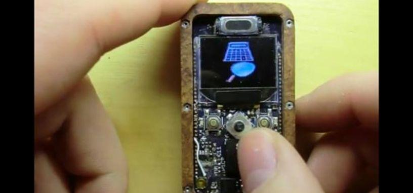 Vídeo: Aficionado a la electrónica se fabrica su propio móvil