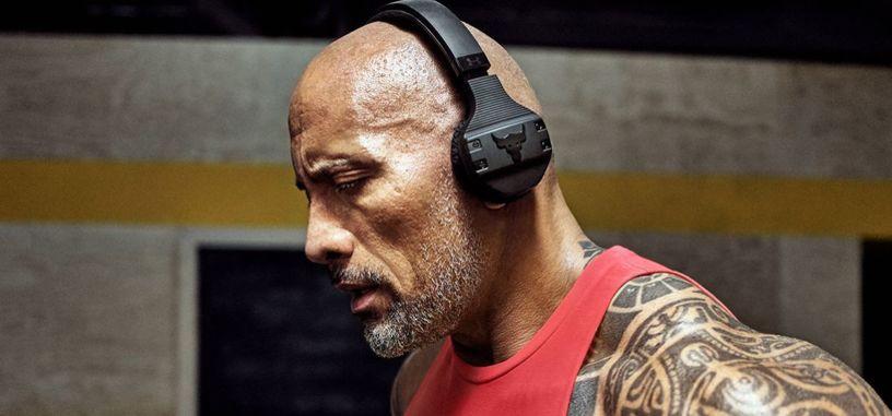 Dwayne Johnson ya tiene sus propios auriculares para entrenar a prueba de sudor