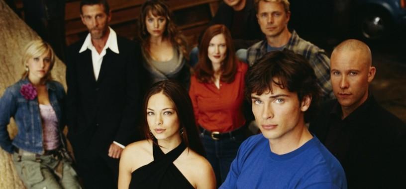El protagonista de 'Arrow' deja caer un posible cruce con 'Smallville'